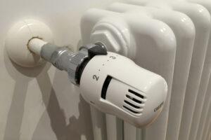 Valvola termostatica su termosifone